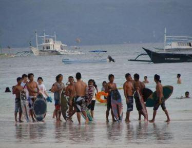 2018-12-30 22_12_02-Learn to ride at the perfect spot… - Reisverslag uit Manilla, Filipijnen van YFR