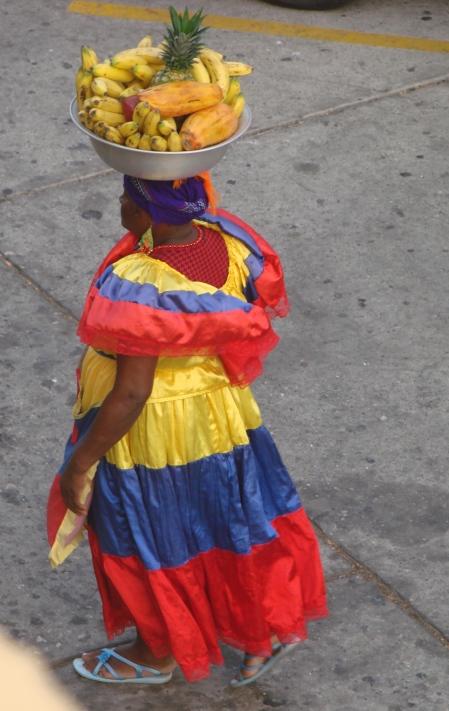 9_3 tm 10_3 Cartagena - streetlife, fruitladies12